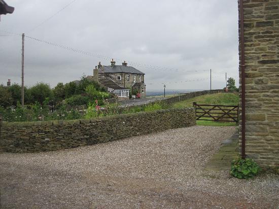 Cowclose Farm: The pub across the road