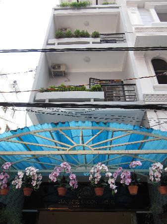 Beautiful Saigon Hotel 2: Front of Hotel