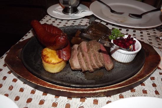 Restaurant Lappi: Secondo di carne di alce, cinghiale e renna con contorno per 2 persone