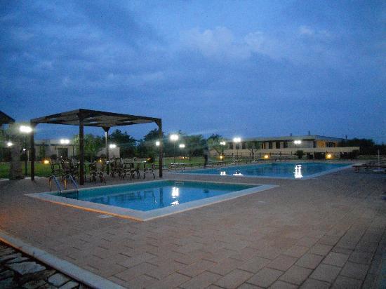 Mottola, Italie : La piscina