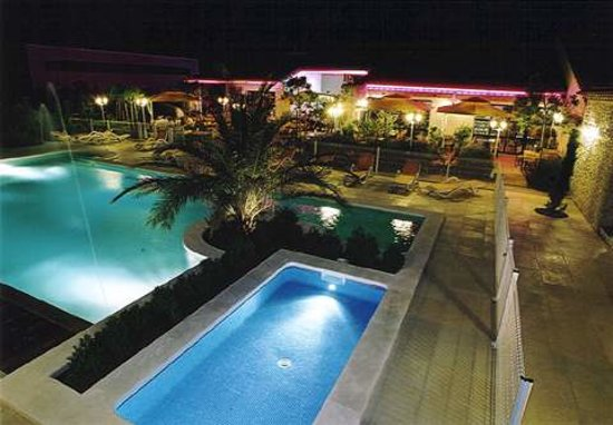 Photo of Hotel Lou Mistralou Saint-Andiol