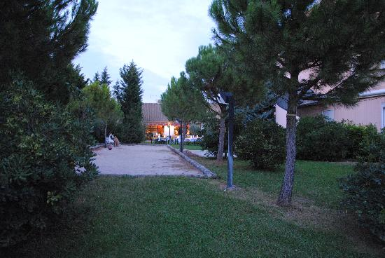 Hotel Lou Mistralou: Terrain de boules