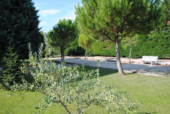 Hotel Lou Mistralou: Jardin