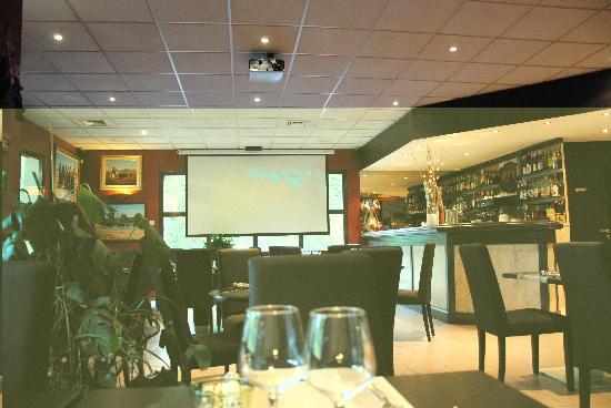 Hotel Lou Mistralou : Salle de restaurant
