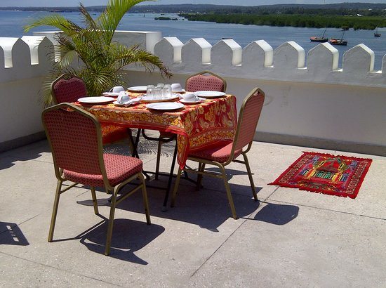 Funguni Palace Hotel: Roof Top Restaurant