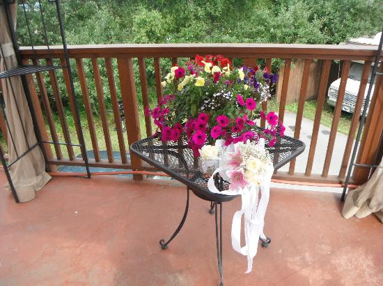 Arctic Fox Inn: the bouqet and the some of the flowers on the deck