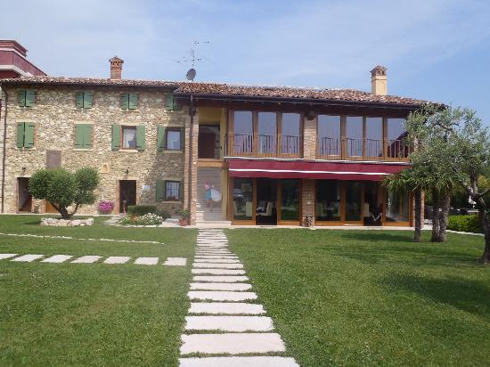 Agriturismo Le Campagnole: The building