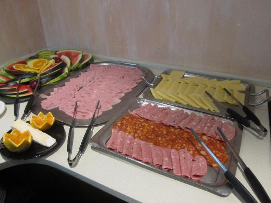 Hotel A. S. Lisboa: choice of cold meats