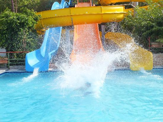 Eri Sun Village Water Park: One of the water slides