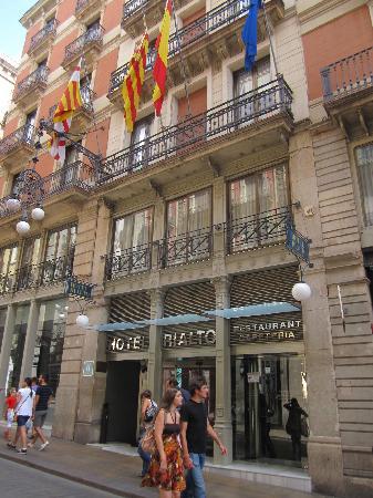 Rialto Hotel: hotel front
