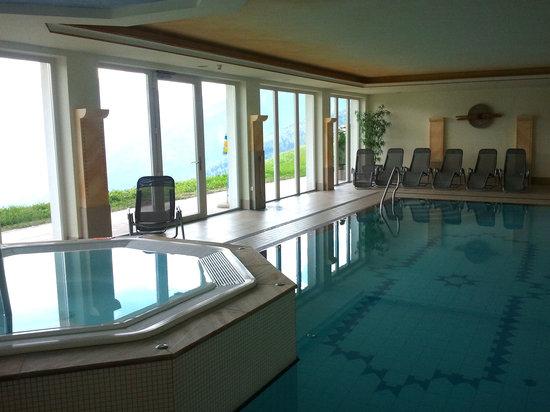 Ferienhotel Kastellatz: zona piscina e idromassaggio
