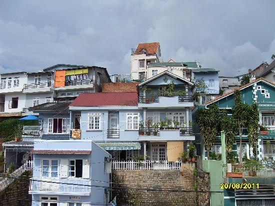YK Home Villa: Houses opposite our balcony