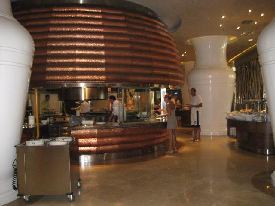 Maxx Royal Belek Golf Resort : Just a small parf from the main restaurant service line