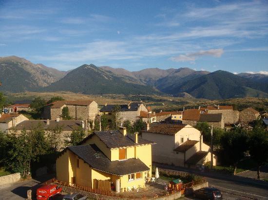 L'Oustalet Hotel: Vue sur le massif du Puigmal