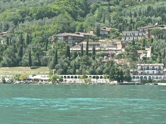 Leonardo Da Vinci Hotel : The hotel from Lake Garda
