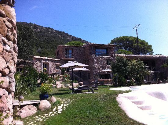 Hotel Ambassador Palombaggia : hôtel jardin