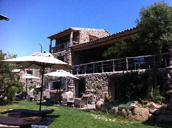 Hotel Ambassador Palombaggia : coin piscine
