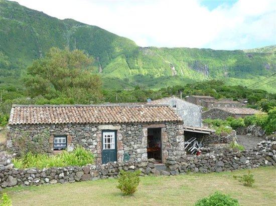 Flores, Portugal: Il panorama dal villaggio