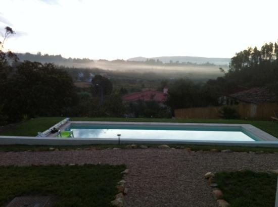 Casa nas Serras: view over the pool at dawn