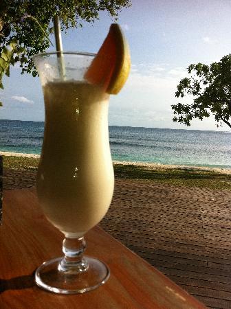 Eratap Beach Resort: Great pina coladas