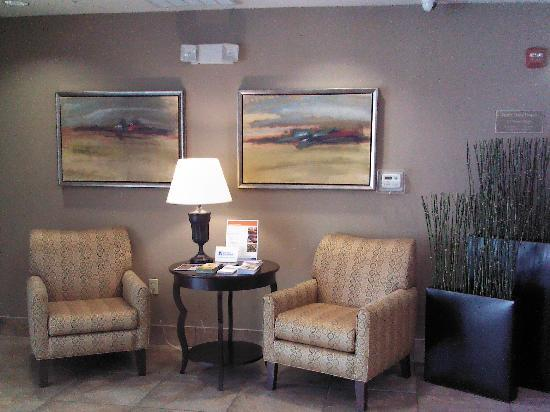 Candlewood Suites Houston, The Woodlands: New hotel decor in lobby