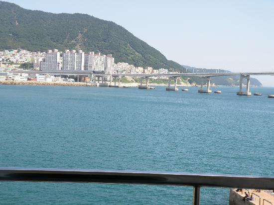 Busan Beach Tourist Hotel: View of waterway from room