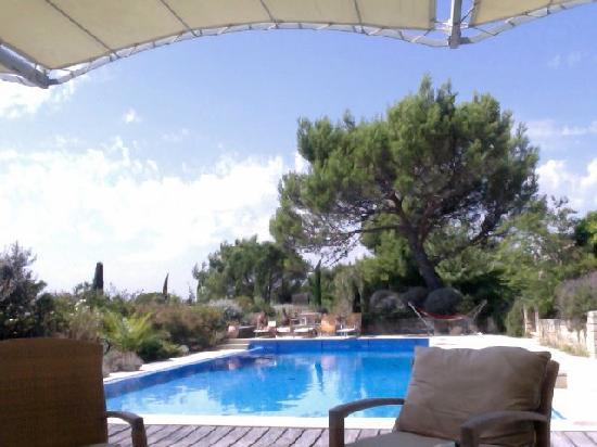 La Douna B&B : What a lovely place to chill out in the sun! - and play a spot of ping pong.