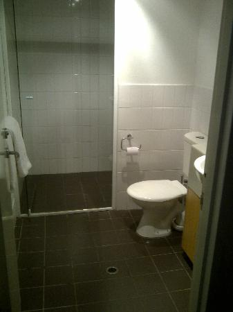 Best Western Plus Ascot Serviced Apartments: Bathroom