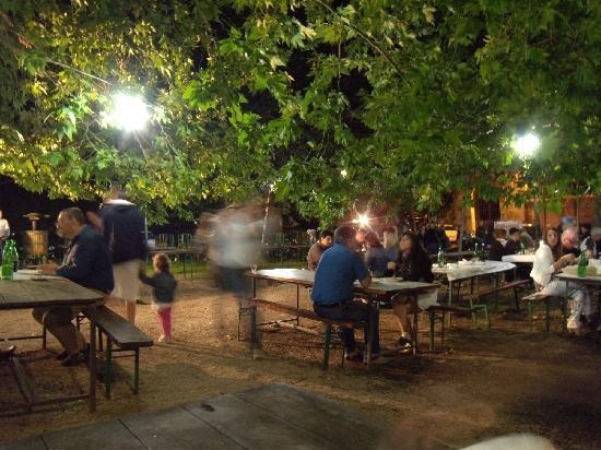 Ariccia, Itália: la sistemazione all'esterno