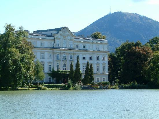 Panorama Tours Original Sound of Music Tour: Rear of the Von Trapp House