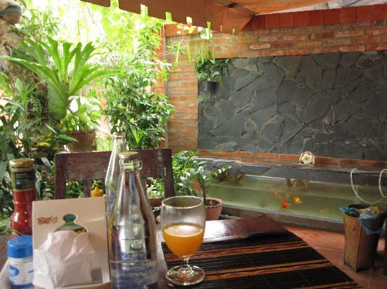 Villa Laodeum: dining terrace