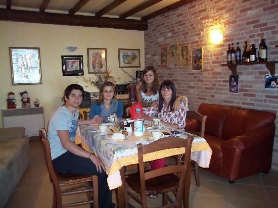 Ca' d'Rot Bed & Breakfast: In famiglia, il pranzo della mattina