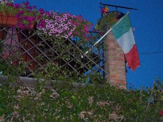 Ca' d'Rot Bed & Breakfast: E viva  l'Italia e gli Italiani !