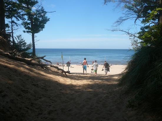 Muskegon, MI: The path to the beach
