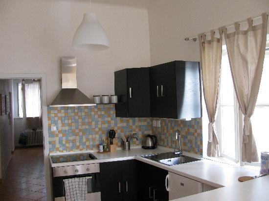 แฮปปี้ ปราก อพาร์ตเม้นท์: cucina moderna