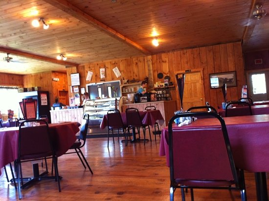 Cream of The Crop Cafe: The Creme of the Crop at the Old Red Barn