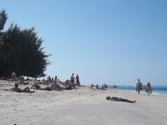 Gili Trawangan, Indonesia: La spiaggia (piena di italiani)