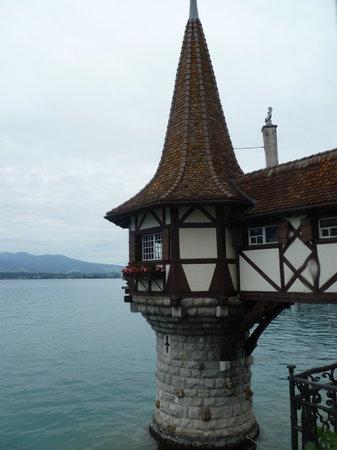Oberhofen am Thunersee, Ελβετία: Torre Romantica sobre el lago Thun