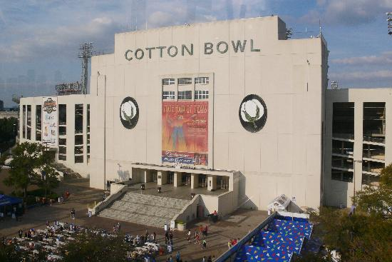 Residence Inn Dallas Park Central: Just minutes away from the Cotton Bowl and Fair Park.