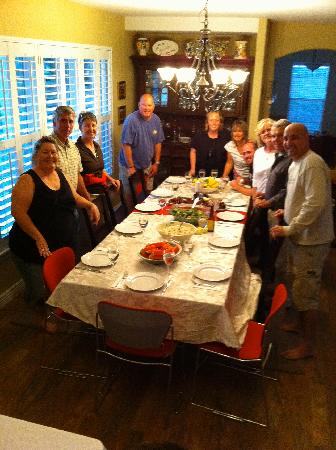 Vintage Inn Bed & Breakfast: The hosts made a big family dinner for us - we paid extra (FYi) and it was WELL WORTH IT! They a