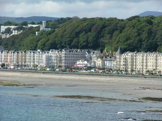 The Rutland Hotel: View of hotel from Onchan,