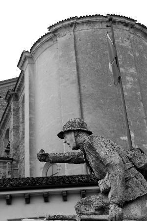 Albergo Eden : Church outside hotel.