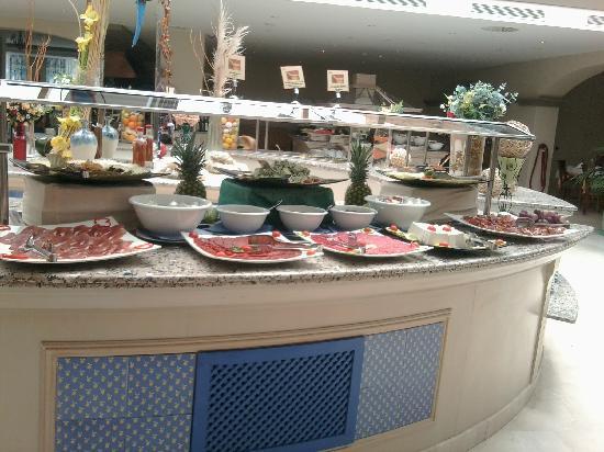 Valentin Sancti Petri Hotel Chiclana: Muchas calorias.