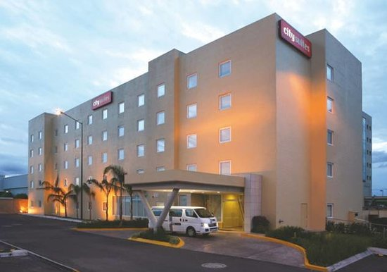 City Express Suites Queretaro