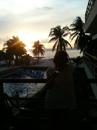 Ixchel Beach Hotel: Sunset off the balcony