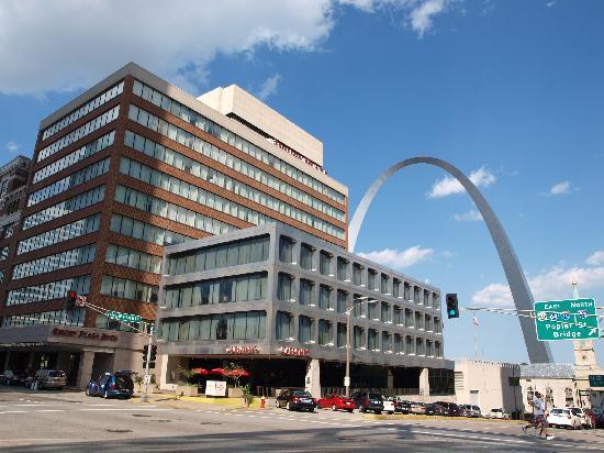 Drury Plaza Hotel St Louis At The Arch Exterior Del Con El Arco