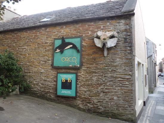 Entrada Orca Hotel