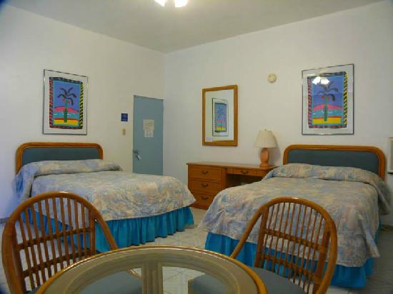 Borinquen Beach Inn: Guestroom
