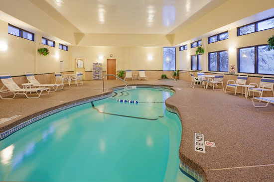 Holiday Inn Express Great Barrington: Indoor Heated Pool