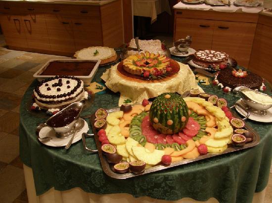 Parkhotel Ladinia: Il buffet dei dolci